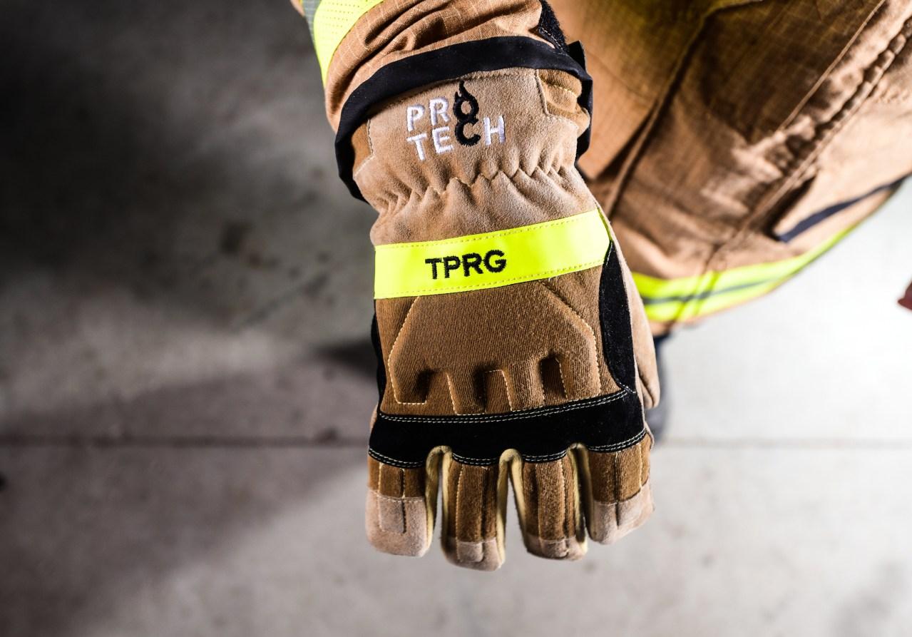 ,دستکش عایق گرما,دستکش آتش نشانی,دستکش سیلیکونی,دستکش ضد حرارت,دستکش کوره,دستکش حرارتی,