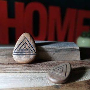 ساخت پلاک مثلثی چوبی
