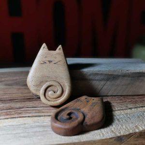 ساخت گربه با دم پیچ چوبی